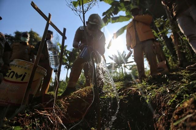 Pemkot Bandung Mulai Optimalisasi RTH Cibiru Dengan Menanam Tanaman Pohon Produktif
