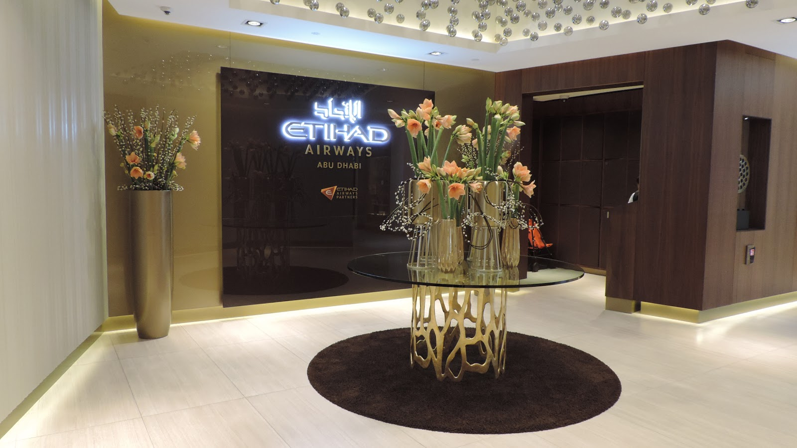 Pic etihad airways a380 first class apartment 4k may 2015 - After Visiting The Etihad Airways First Class Lounge Spa Which Is No Doubt One Of The Nicest First Class Lounges I Ve Been To I Decided To Head To The