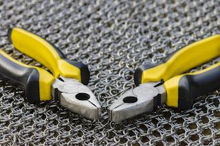 Chainmaille technika łączenia metalowych ogniwek
