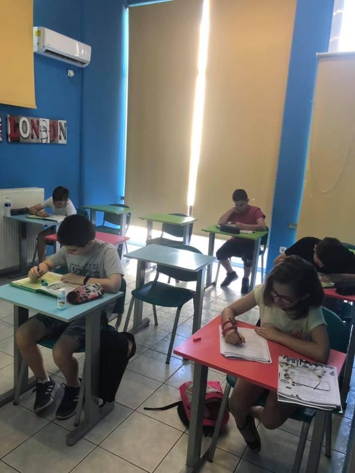 Ζουζουνάκια ( μικρά και πιο μικρά) που κάνουν θερινά μαθήματα B junior, C, D!