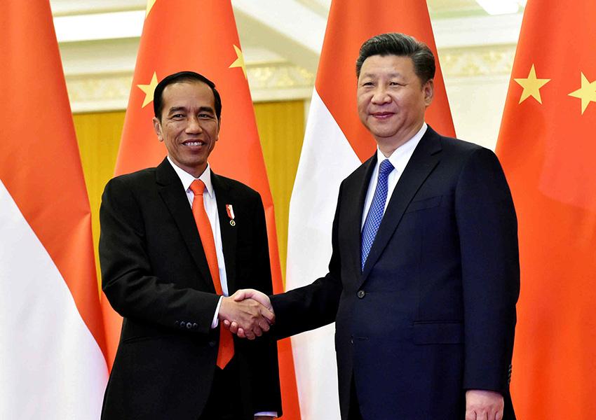 Jokowi Kembali 'Istimewakan' Puluhan TKA China, Pengamat: Semakin Buktikan Rezim Ini Dikendalikan RRC!