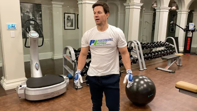 Mark Wahlberg Share His Home Gym