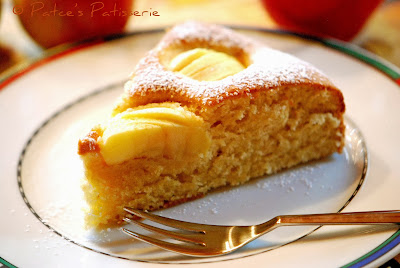 http://patces-patisserie.blogspot.com/2013/10/versunkener-apfelkuchen-apple-pie-day.html