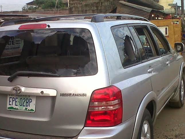 Photos: Cultists Destroy Over 20 Cars In Bariga, Lagos