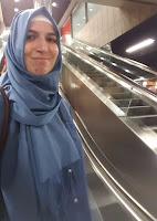 اسمي أميرة المغربية عمري 33 عاما واود ان تعرف