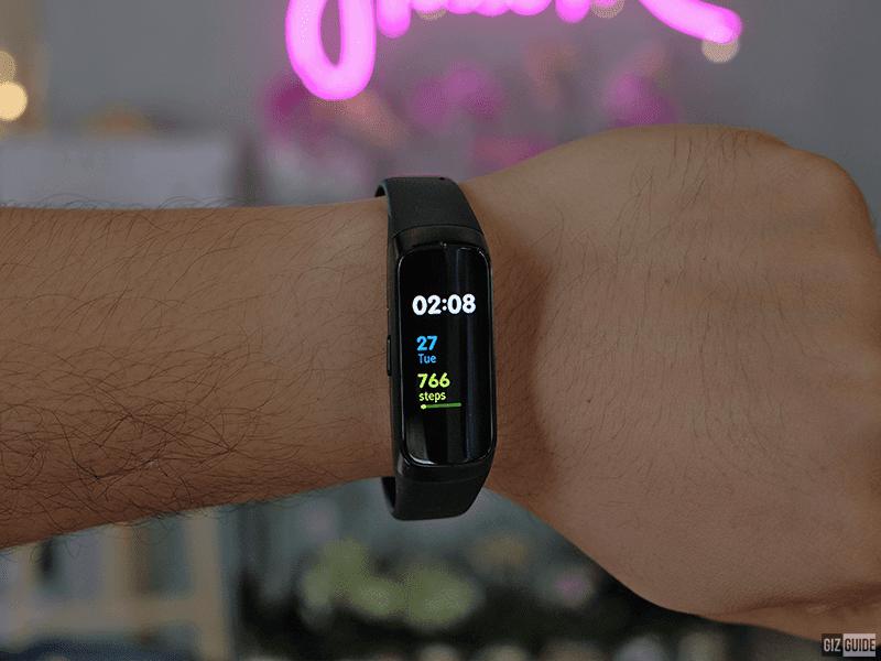 Meet Samsung Galaxy Fit - Samsung's best smart band yet