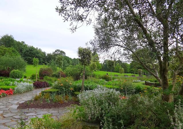 Golders hill park scene