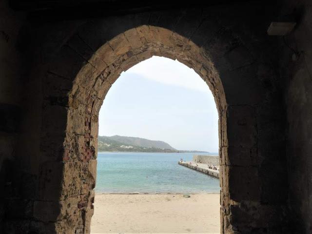 veduta da Porta Pescara sulla spiaggia