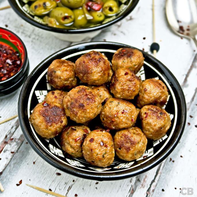 Recept: zo maak je zelf Spaanse gehaktballetjes met sherry en pimentón