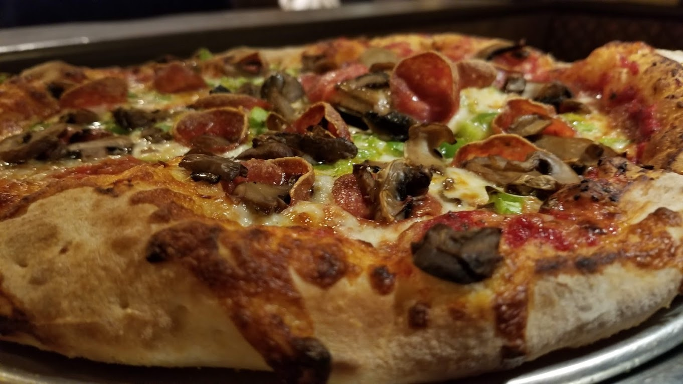 Mushroom/Pepperoni/Green Pepper pizza at Alibi, Troy