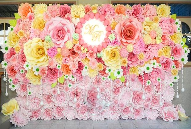 Dịch vụ thi công backdrop hoa giấy đẹp ở tphcm giá rẻ, đẹp nhất tphcm