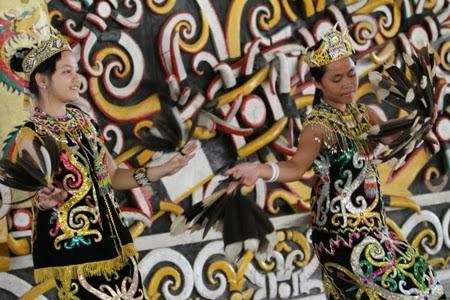 Macam-macam Budaya di Indonesia: SENI TARI KALIMANTAN TIMUR