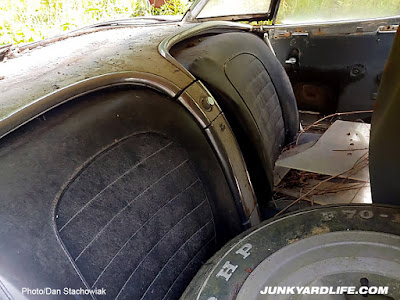 1959 was first year for black seats in Corvette.