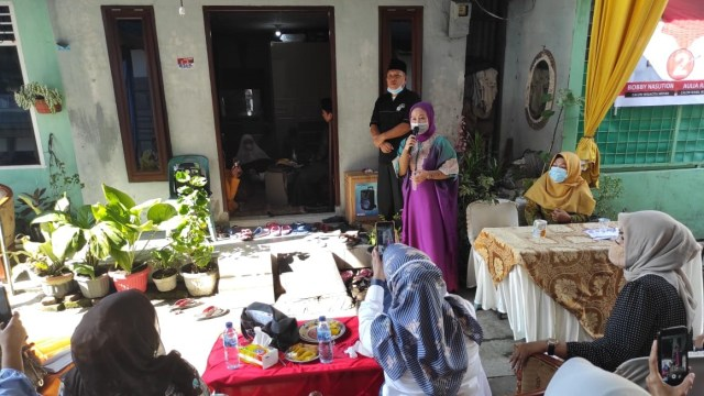 Ibunda Bobby Nasution Kampanyekan Anaknya ke Ibu-ibu Pengajian di Medan
