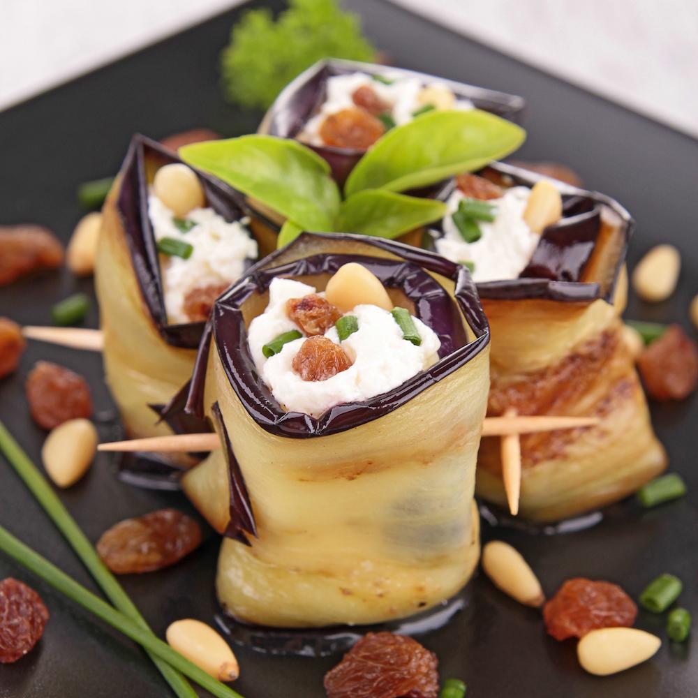 rollitos de berenjena con queso fresco