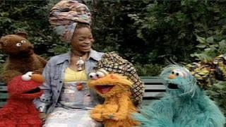 Erykah Badu, Elmo, Baby Bear, Zoe and Rosita sing We're All Friends (Friendship). Sesame Street Preschool is Cool Making Friends
