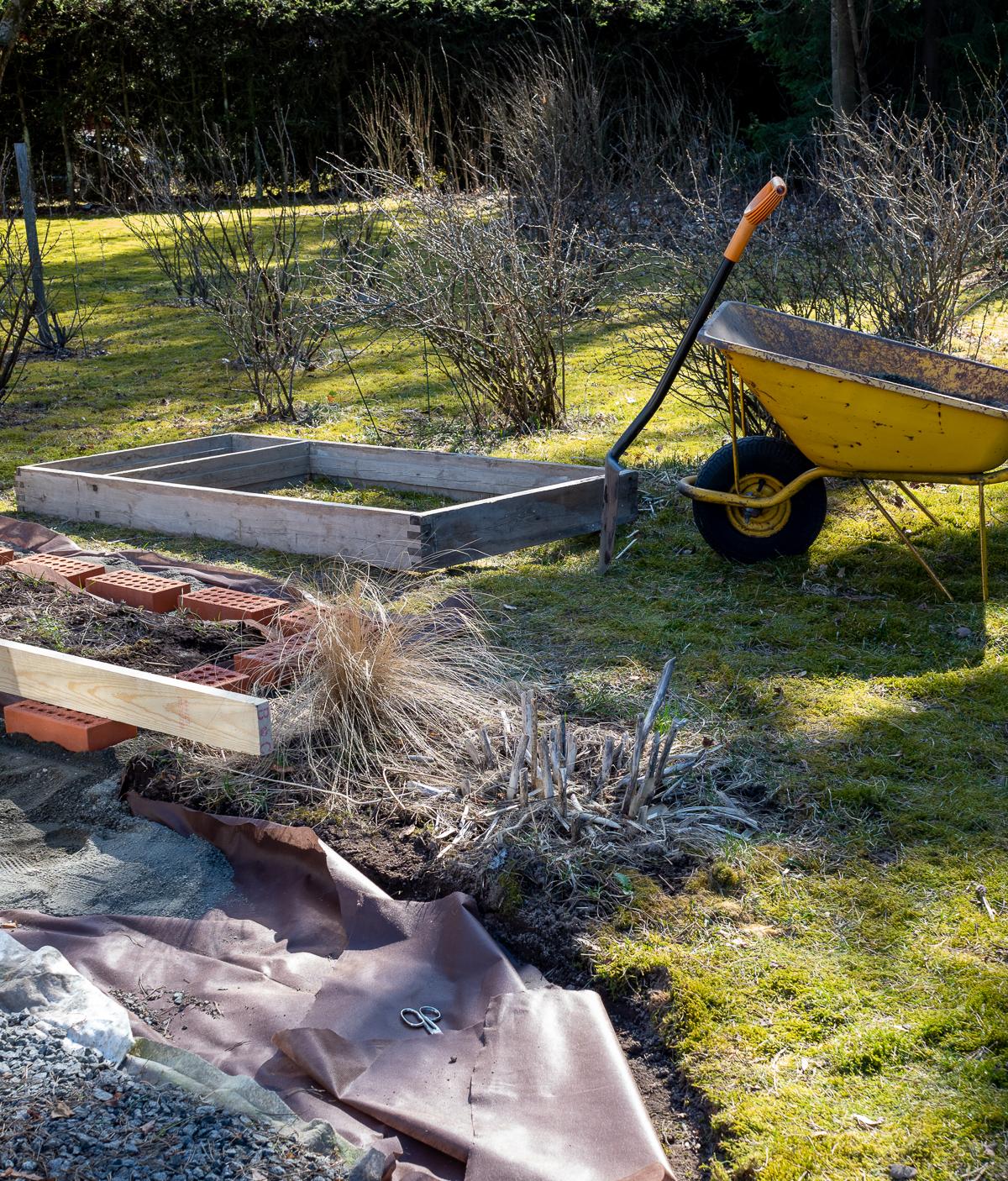 huhtikuu työt puutarhassa