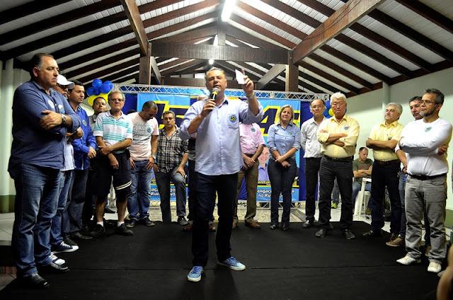 """Inauguração de comitê mostra força da coligação """"Registro no Rumo Certo"""""""