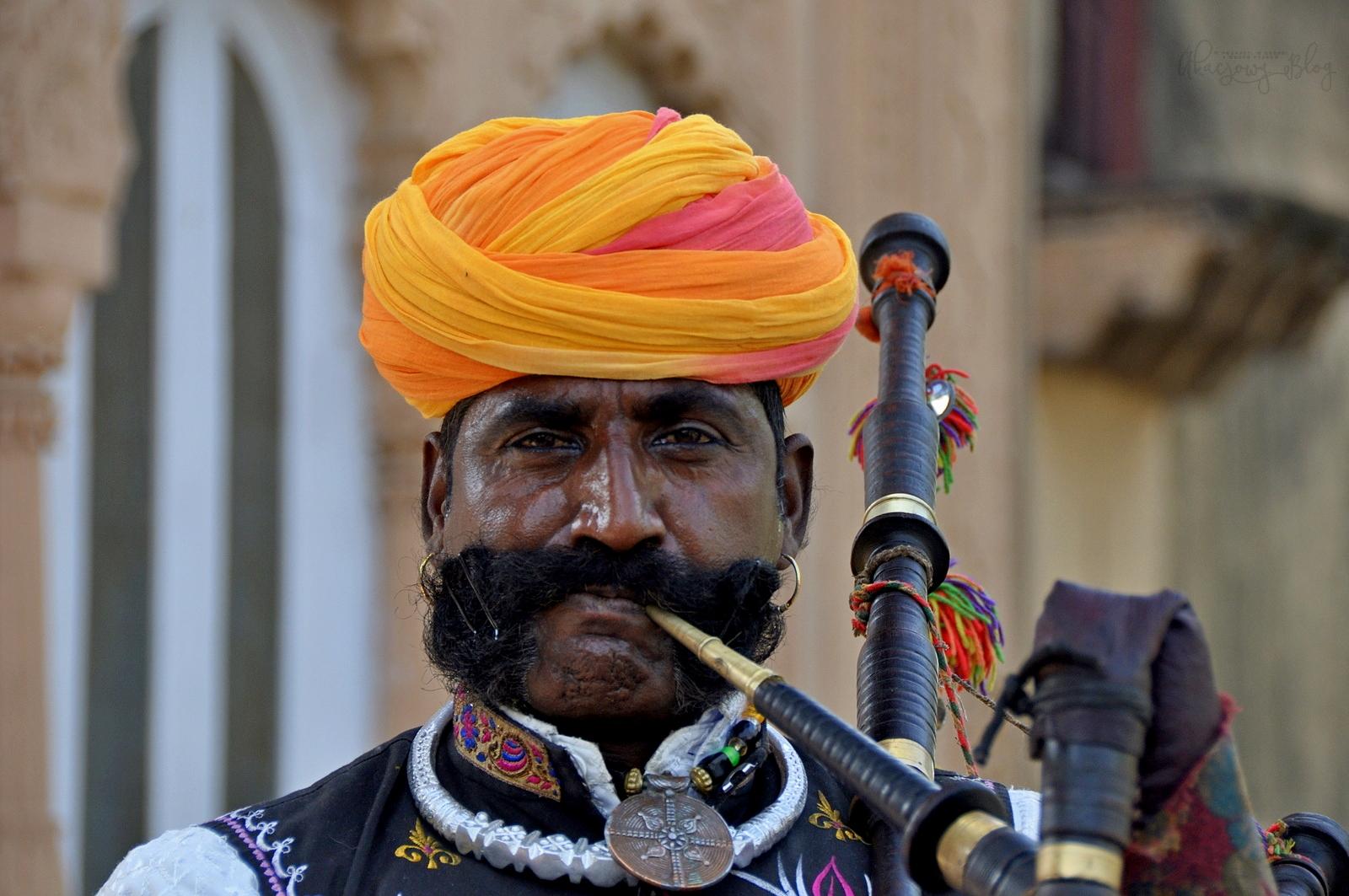 Wiosenny Festiwal Brij w okolicach Bhatatpuru.