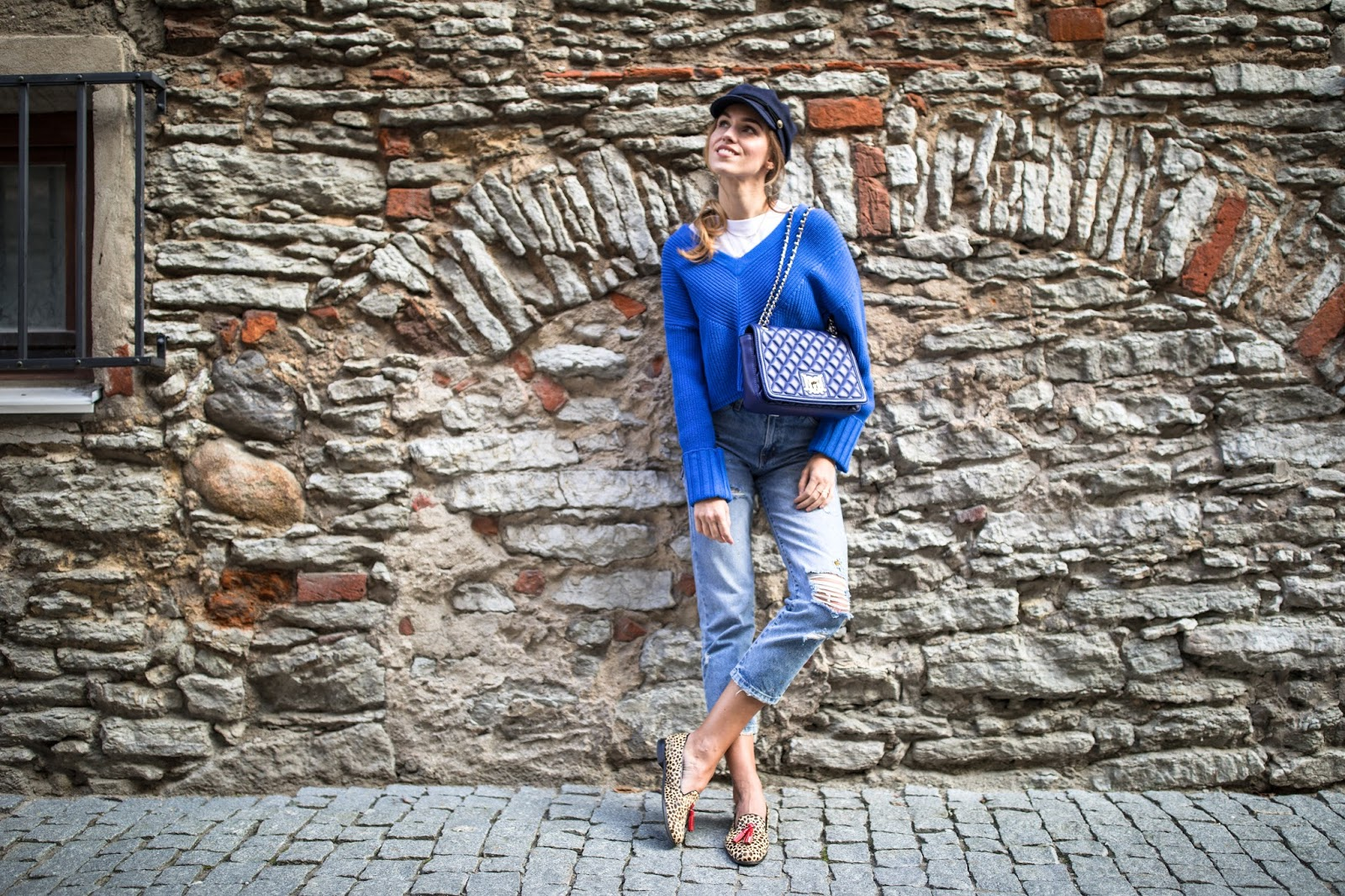 blue jumper fall outfit