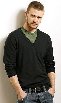 Foto de Justin Timberlake con las manos en el bolsillo