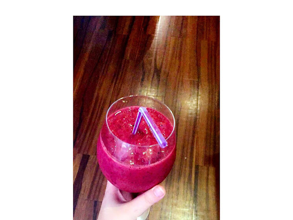 REVIEW: MY FAVOURITE BERRY SMOOTHIE FT LEAN GREENS