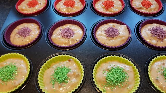 kunterbunte Bananen-Walnuss-Muffins aus der Kinderkueche