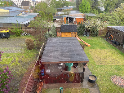 Erster Regen auf dem neuen Dach