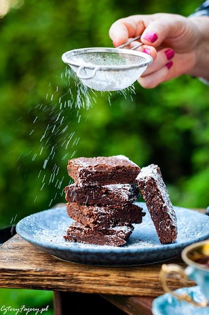 przepis-na-proste-brownie-z-kakao