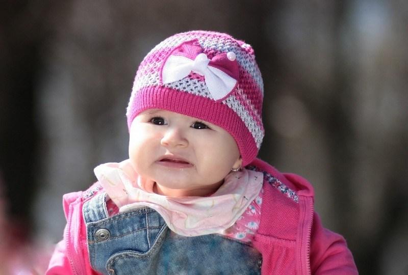 8 Tahap Penting Perkembangan Bayi di 12 Bulan Pertama