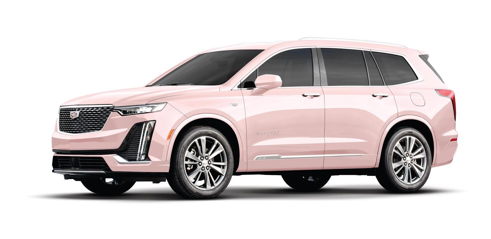 50 años y sigue siendo el auto de ensueño: Mary Kay celebra aniversario histórico de su legendario Cadillac rosado en el Seminario de EUA