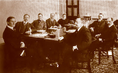 Picture of Federal Reserve Board, circa 1917