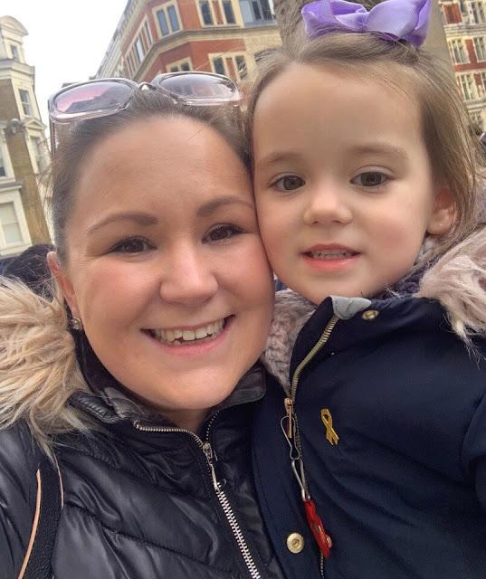 «У нас был выбор: спасти глаз или жизнь»: родители 4-летней девочки приняли не самое простое решение