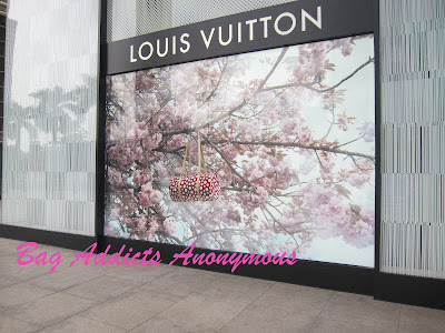 Yayoi Kusama for Louis Vuitton - The Bags!