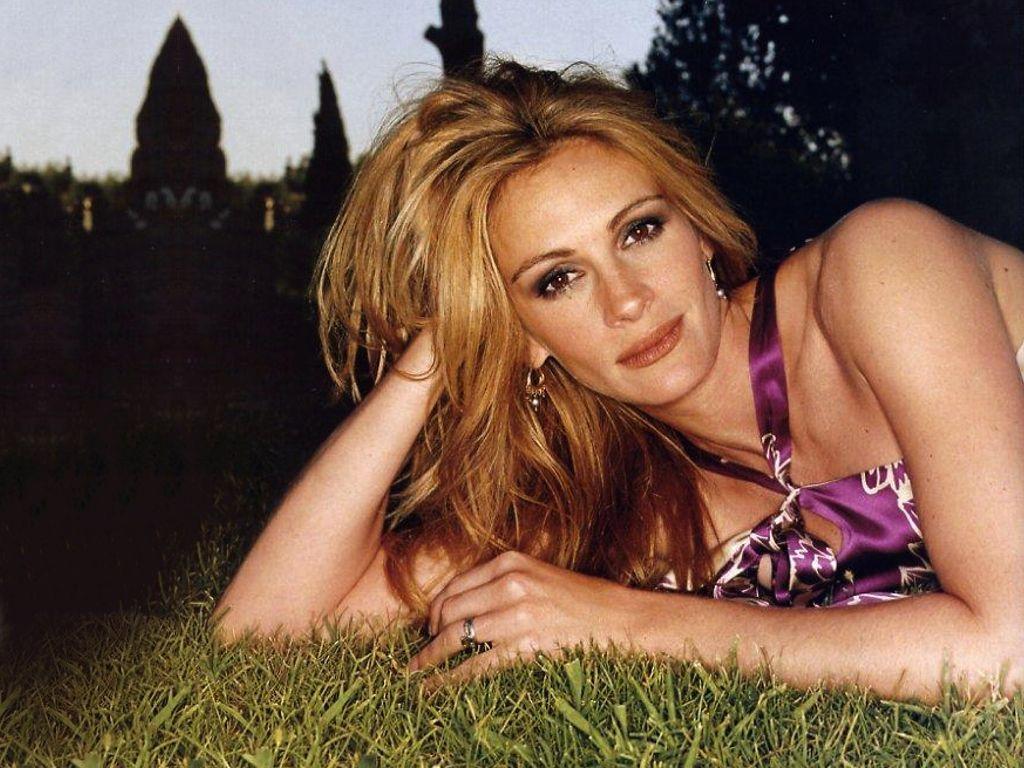 Julia Sexy 46