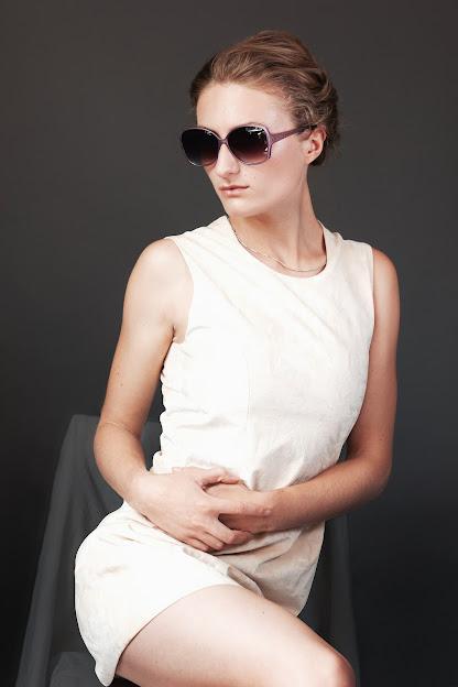 sehr kurzes Kleid länger machen
