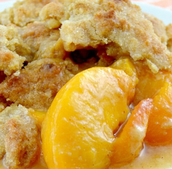 SERIOUSLY THE BEST SOUTHERN PEACH COBBLER! #dessert #sweet