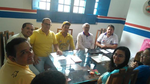 Secretaria de Turismo de Sairé realiza reunião com artesões