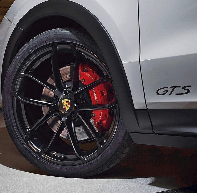 Porsche Cayenne Coupe GTS lộ ảnh trước ngày ra mắt