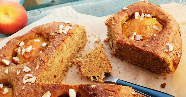 Gâteau aux pêches et amandes