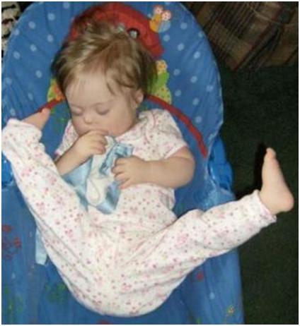 (GAMBAR LUCU) Tidur Unik Gaya Bebas