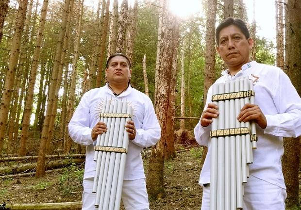 Qirwa Anka agrupación de música Andina creada por los hermanos Julio y Fernando Sanaylán