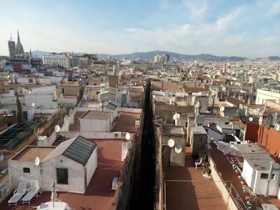 """""""Spacca Barcellona"""" - Veduta dalla Basilica di Santa Maria del Mar"""