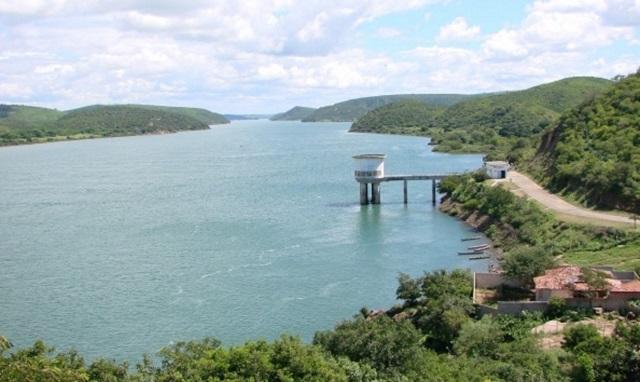Conserto de adutora no Sistema Coletivo da Bacia Leiteira deixa  abastecimento  deficiente em 18 cidades