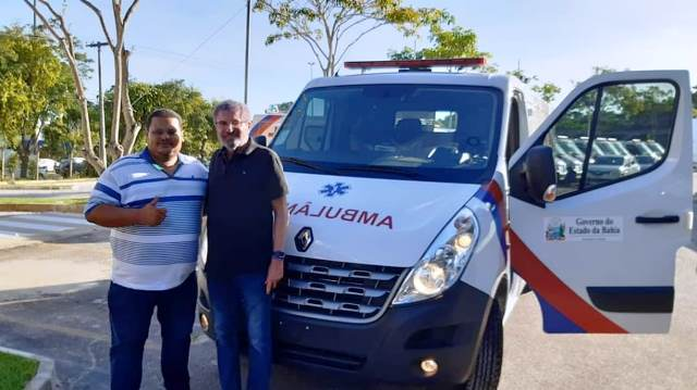Ibicoara: Prefeito Haroldo Aguiar recebe nova ambulância através de emenda do deputado José Rocha