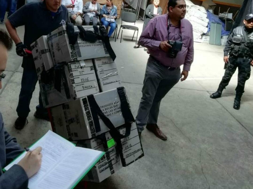 Inicia el traslado de los paquetes electorales para el recuento de votos por la gubernatura de Puebla