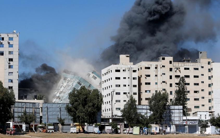 Israel bombardeó una torre en Gaza usada por Hamas como centro cibernético y de comunicaciones