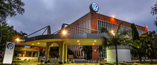 Infiltrados: espiões chineses na VW, Airbus, Deutsche Bank e Siemens