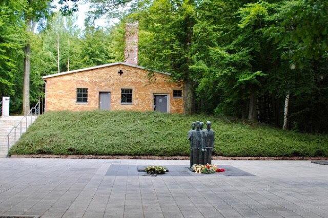 https://hansen-irene-le-blog-du-souvenir.blogspot.com/2019/09/le-camp-de-dora-mittelbau_12.html
