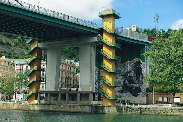 サルベ橋(Puente de La Salve)